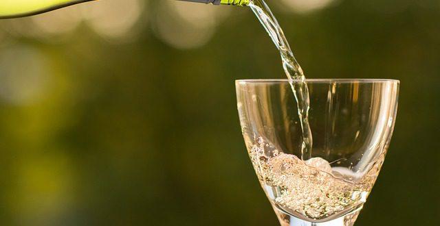 Jak uchovat víno po otevření