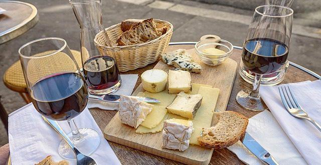 Jaké sýry k vínu