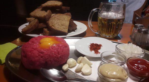 Dobrý tatarák v restauraci Pastička