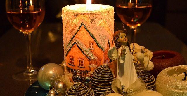Na vánoční stůl patří červené a bílé víno. Víte, k jakému jídlu se hodí?