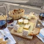 Naučte se kombinovat víno se sýry