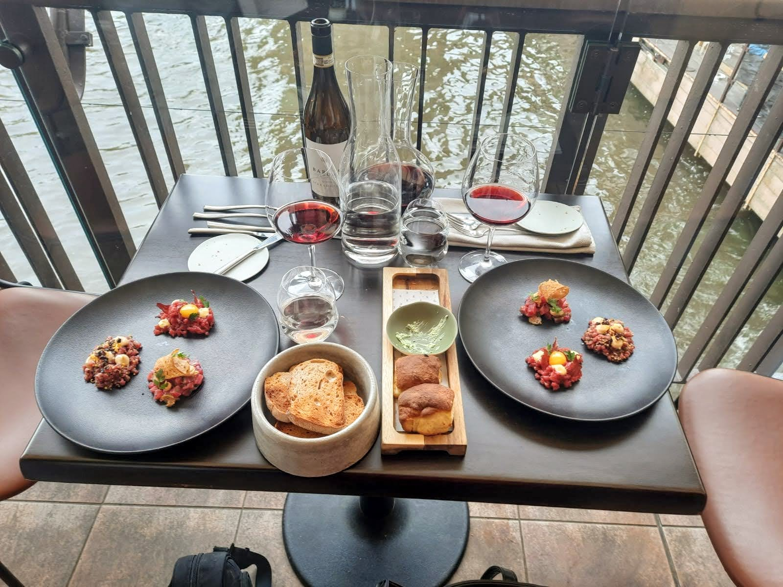 Dobré jídlo a pití v restauraci Mlýnec